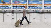 thomas-cook-aeropuerto-hombre-solo-efe.jpg