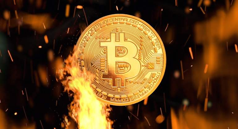 bitcoin-on-fire-dreamstime-770x420.jpg