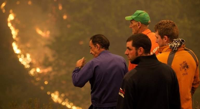 galicia-fuego-vecinos-efe.jpg
