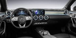 Mercedes-Benz revela el interior del nuevo Clase A: llega el salto cualitativo