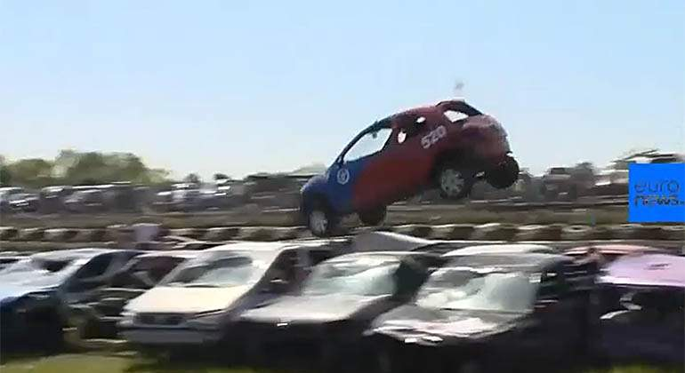 salto-coches-campeonato-euronews.jpg