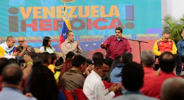 Maduro advierte a gobernadores que no se subordinen a la Asamblea Constituyente