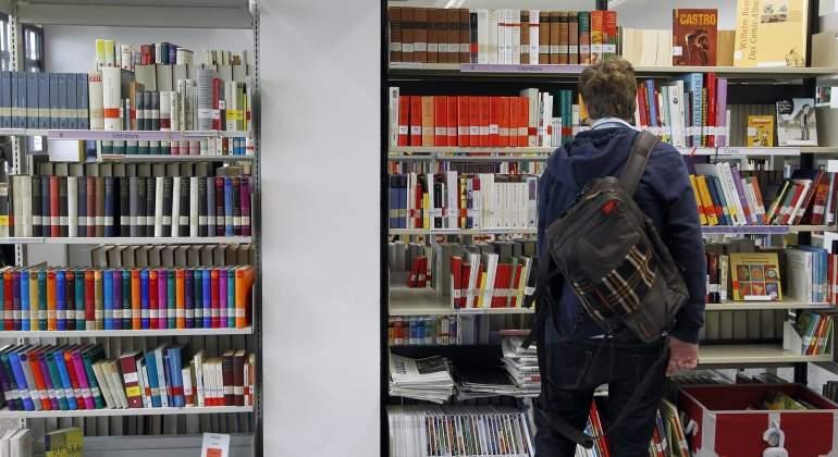 Estudiante-espanol-biblioteca-reuters-2016.jpg