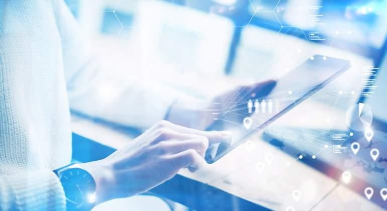 trabajador-digital-tablet.jpg