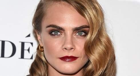 ¿Las cejas de Cara Delevingne o de Emma Watson? ¿Messy o Smokey?