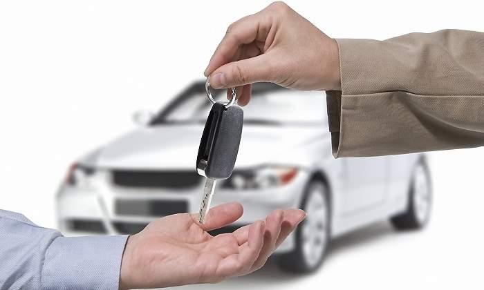 El Supremo rechaza la deducción de todo el IVA del coche de trabajo si tiene más usos