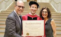 Zuckerberg vuelve a Harvard