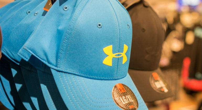 Under Armour se hunde un 14% en medio de irregularidades contables