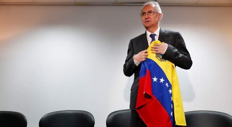 antonio-ledezma-bandera-venezuela-reuters-770x420.jpg