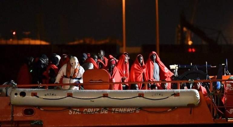 inmigrantes-rescatados-patera-efe.jpg