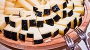 Tabla-llena-de-trozos-de-queso-iStock.jpg