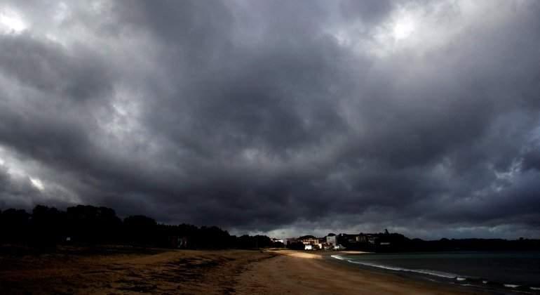tormenta-borrasca-felix-galicia-efe.jpg