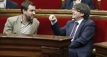 Cataluña contradice al Gobierno con sanidad gratuita universal