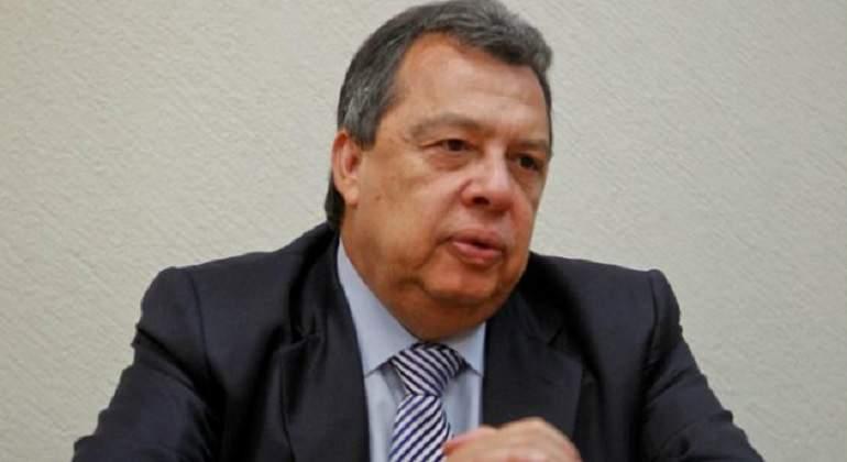 Ángel Aguirre se baja de la contienda por la diputación federal