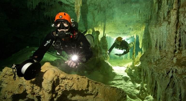 Encuentran la cueva sumergida más grande del mundo