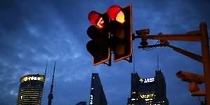 ¿Por qué verde, amarillo y rojo? La historia de los colores del semáforo