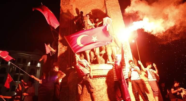 Turquía tiene que construir más tribunales para poder procesar a los arrestados del golpe frustrado