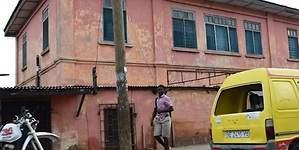 Hallan una falsa embajada de EEUU en Ghana tras diez años vendiendo documentos