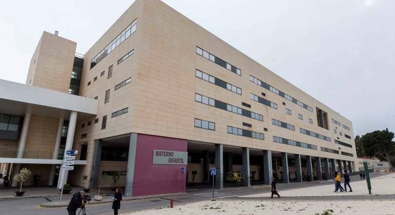 hospital-murcia-nina-embarazada-efe.jpg