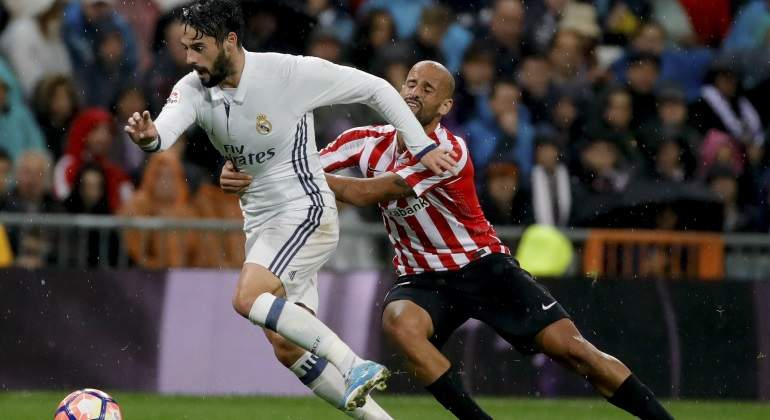 isco-mikelrico-athletic-efe.jpg