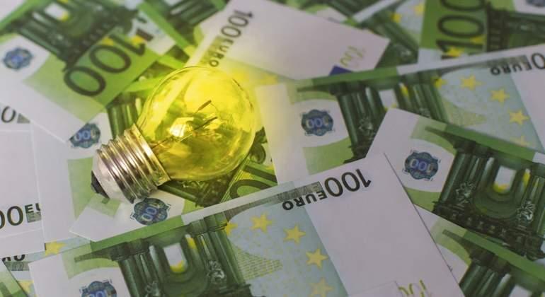 Los Precios De La Electricidad Se Encarecerán Este Año Hasta Un 8