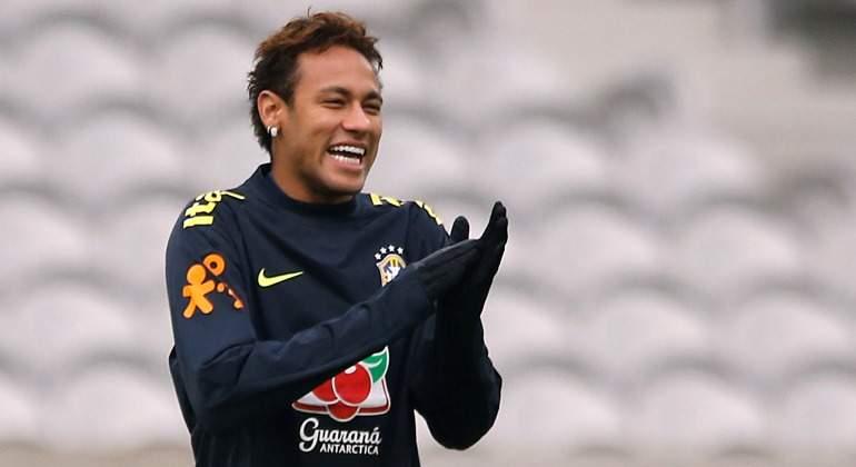 Neymar-aplaude-brasil-2017-reuters.jpg