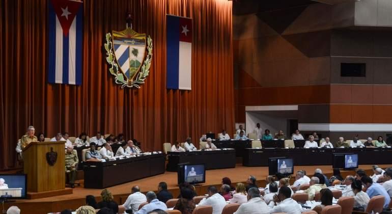 raul-castro-asamblea-nacional-cuba-reuters-770x420.jpg