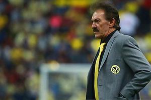 Chivas pasó gracias al árbitro, afirma La Volpe
