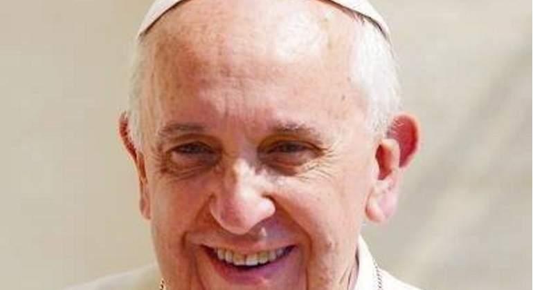 Papa fustiga a políticos anti-inmigrantes