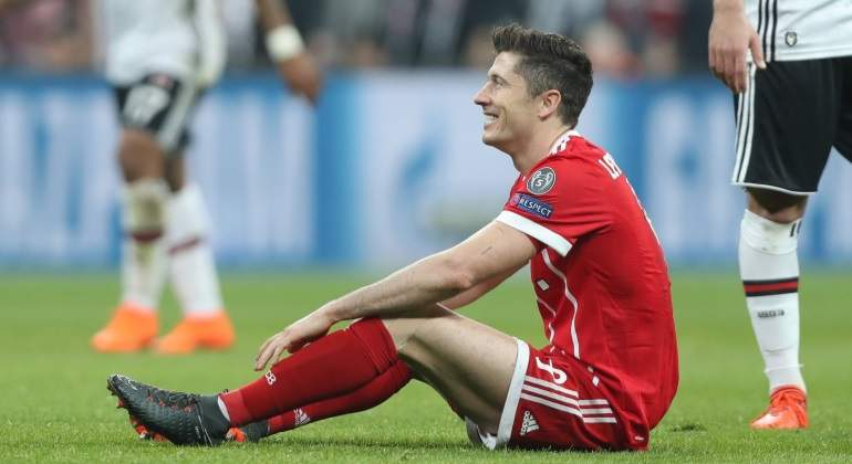lewandowski-sentado-besiktas-reuters.jpg