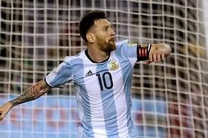 Un gol de Messi salva a Argentina