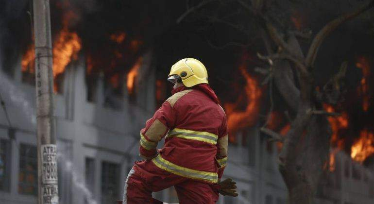 Incendio en Las Malvinas: Empresas que encerraron a trabajadores