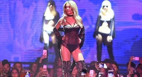 Rita Ora, dominatrix al estilo 50 sombras de Grey