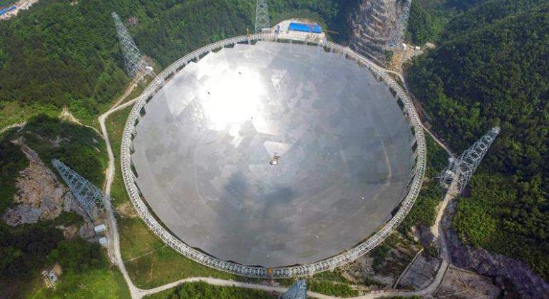 china-telescopio-enorme-efe.jpg