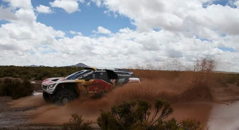 Peterhansel aumenta su leyenda y gana su 13º Dakar, séptimo en coches