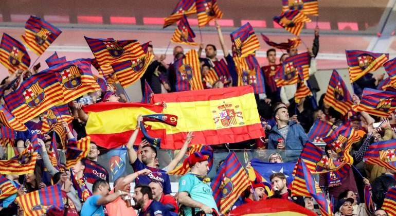 Aficionados-barcelona-bandera-espana-2018-efe.jpg