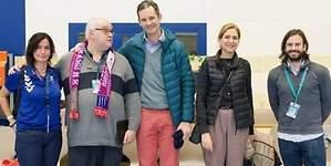 Iñaki Urdangarin reaparece sonriente en el balonmano