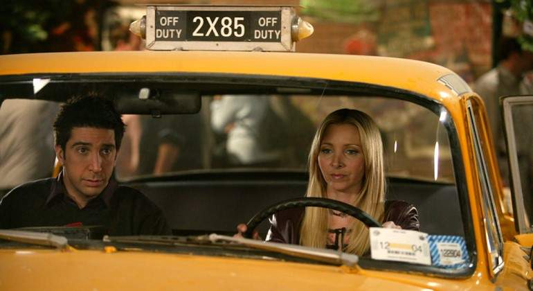 friends-taxi-phoebe.jpg