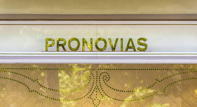 pronovias-770-dreamstime.jpg