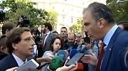 Tensa discusión entre Almeida y Ortega Smith a las puertas del Ayuntamiento de Madrid por la violencia de género