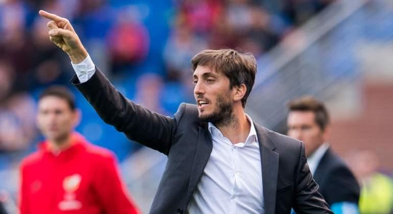 Alavés despide a DT argentino Zubeldía tras cuarta derrota consecutiva