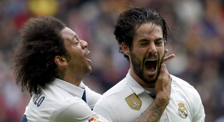 Marcelo-Isco-celebran-gol-Gijon-2017-reuters.jpg