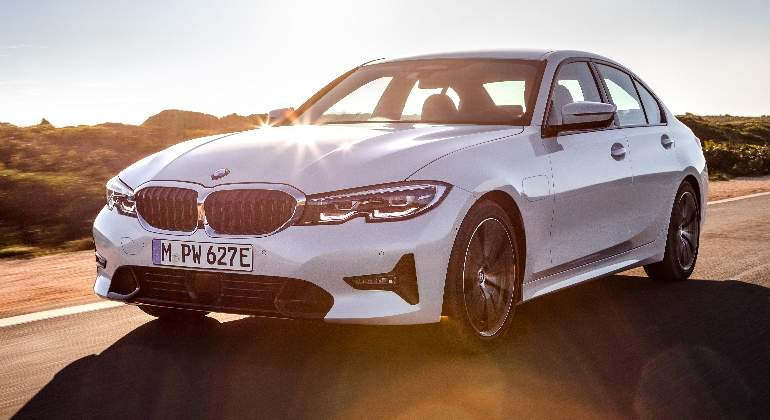 bmw-serie3-hibrido-encufable-2019-01.jpg