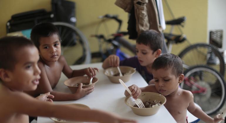 Ninos-inmigrantes-honduras-refugio-770x420-reuters.png