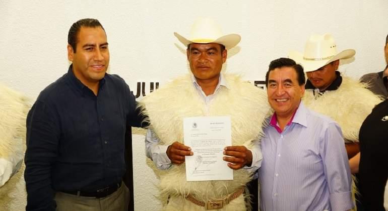 Pide licencia indefinida alcalde de Chamula