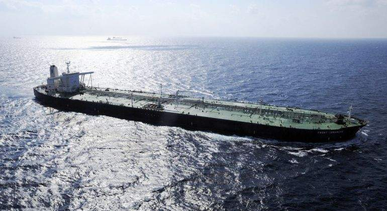 barco-buque-petroleo-oceano-bloomberg.jpg