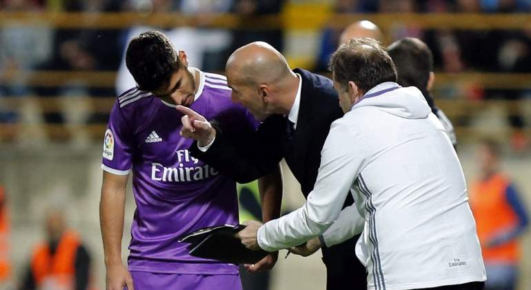 Marco-Asensio-Zidane-2016-Cultural-efe.jpg