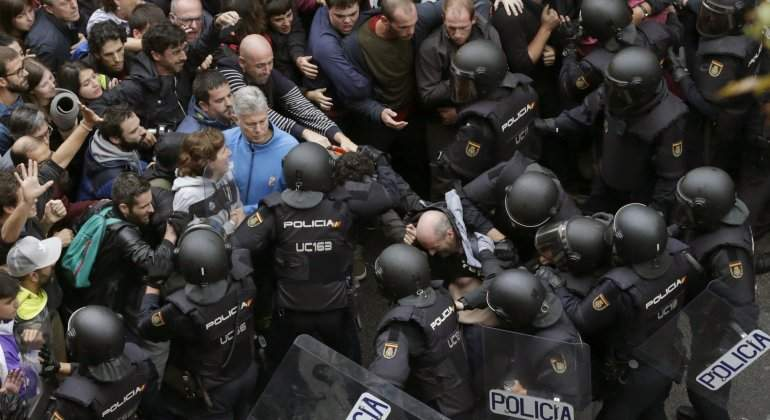 referendum-policia-intervencion-efe.jpg