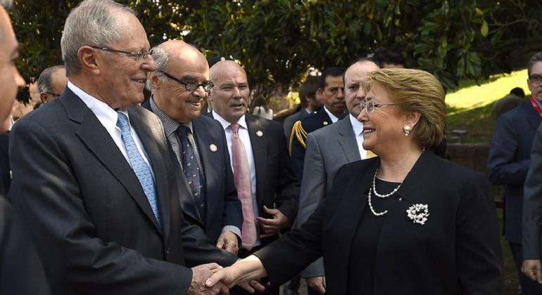 Bachelet y 17 ministros viajan a Perú a histórico gabinete binacional