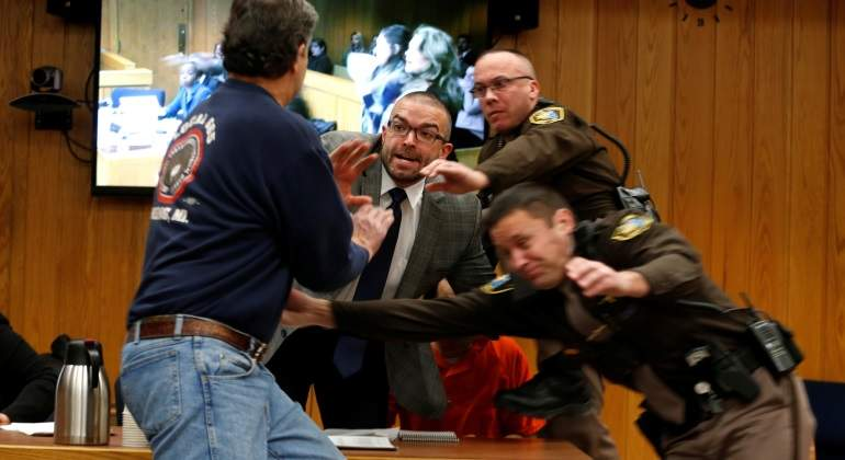 padre-victimas-nassar-agresion-2febrero-reuters.jpg